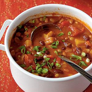 Healthy Vegetarian Bean Chili Recipe - Katie Bressack